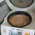 炊飯器でハンバーグ作った結果量を間違えて悲惨なことに