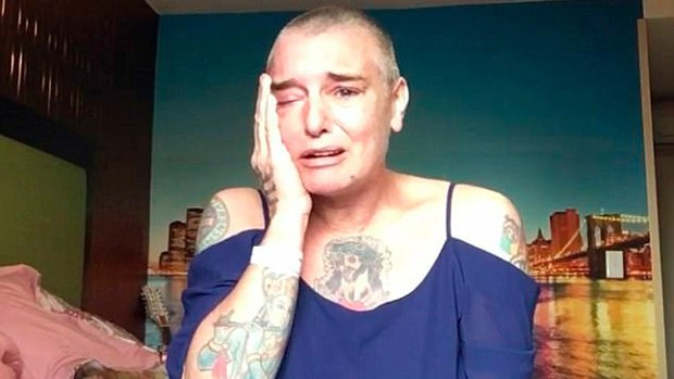 "Sinead O'Connor in lacrime su Facebook: in Video afferma di avere ""tendenze suicide"""