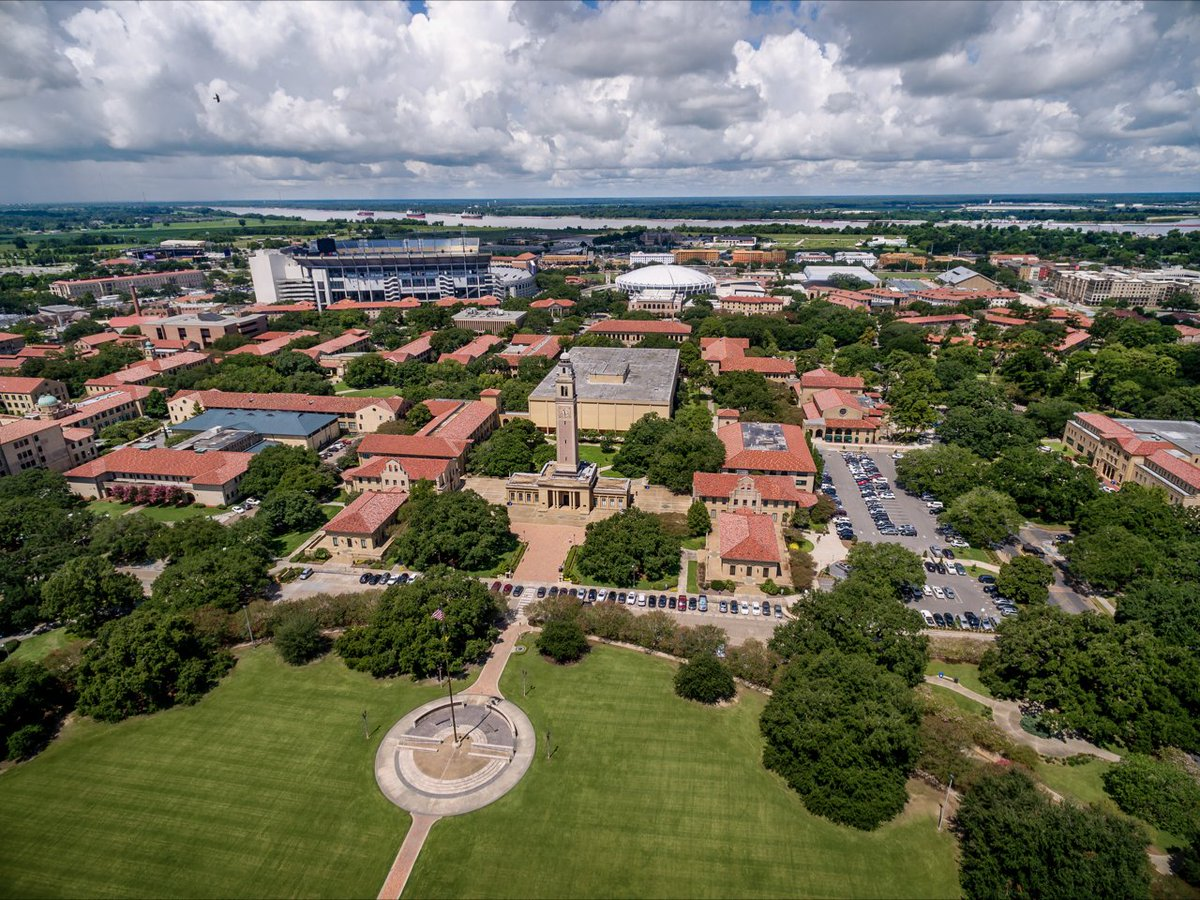the history of louisiana state university Louisiana state university began as a small all-male military school near pineville, louisiana originally called the louisiana state seminary of learning and military academy (or variations thereof), classes began on january 2, 1860.