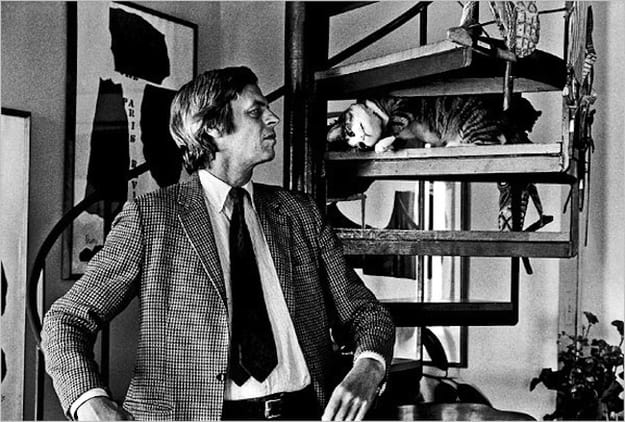 George Plimpton, co-founder of the @parisreview, with his cat Mr. Puss #internationalcatday #literarycats https://t.co/rOT4xKxP2n