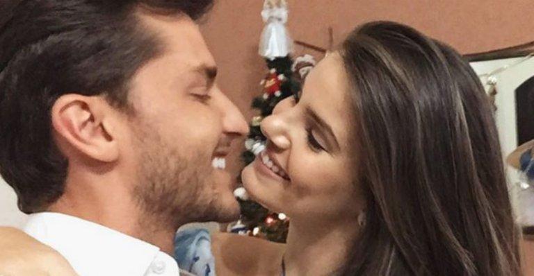 Romance! Camila Queiroz completa 1 ano de namoro com Klebber Toledo --> https://t.co/iRz1gnh5Hz