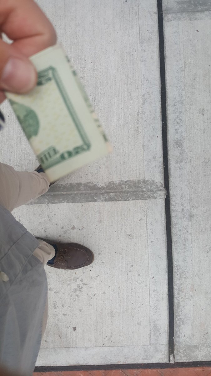 First days of being 30 i find a 20 on the street. The #saying is #literally #true: 30 is the new 20 #dollar #find<br>http://pic.twitter.com/4fGlS27DwI