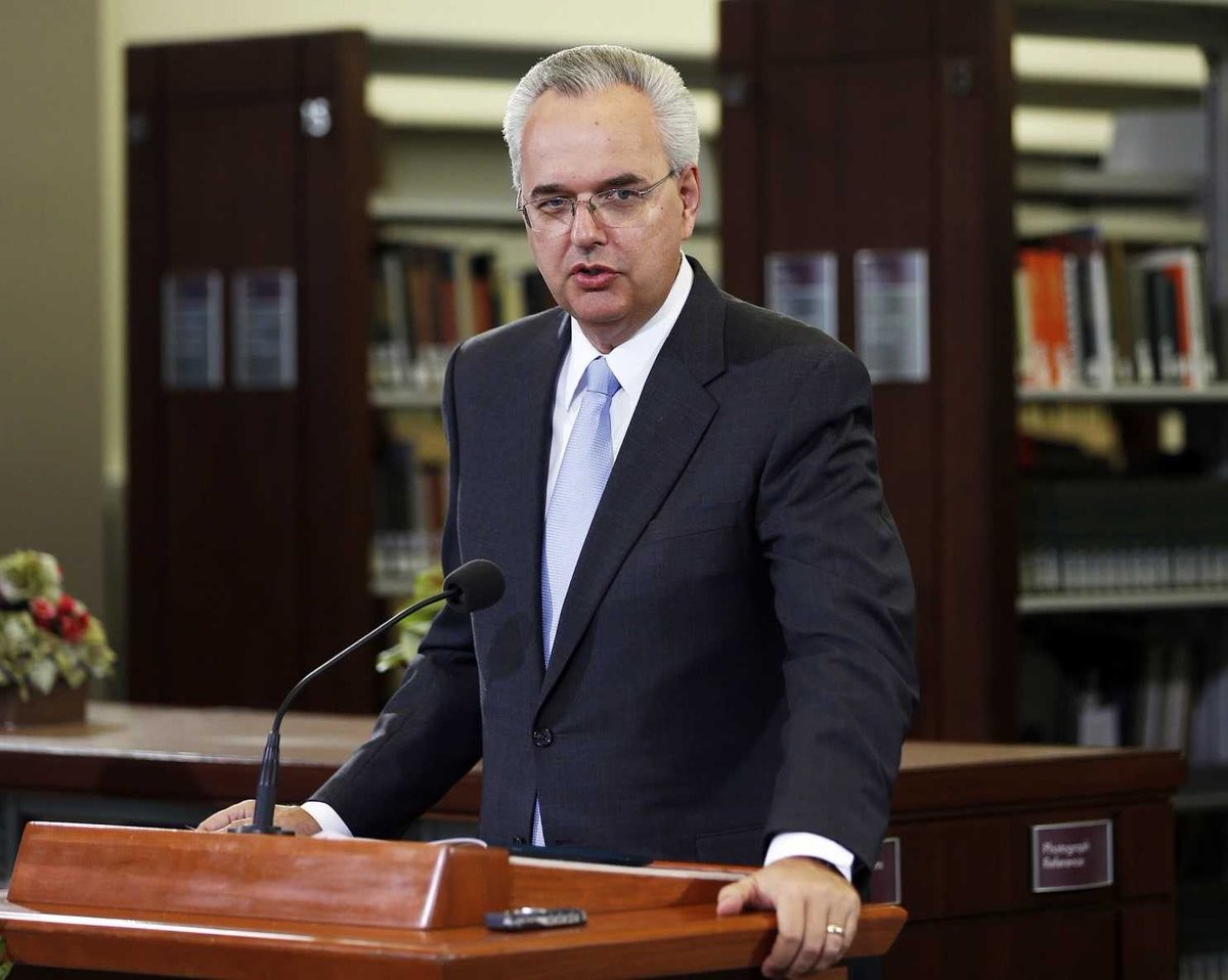 Google News: Mormon official ousted; first excommunication of a top church leader in decades  #ousted #saying  http:// tinyurl.com/yc8lhwdo  &nbsp;  <br>http://pic.twitter.com/k79hdTArGd