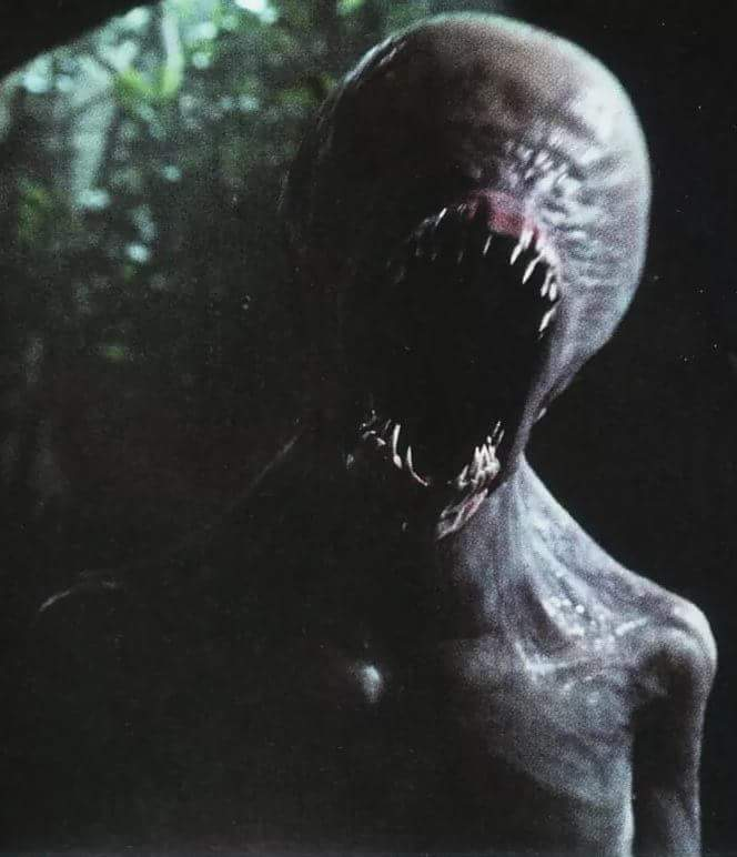 Right before the adult #Neomorph decapitates Rosenthal in #RidleyScott&#39;s #AlienCovenant.  #Alien #SciFiHorror #AdultNeomorph #Bioengineering <br>http://pic.twitter.com/P5UxdeMS0K