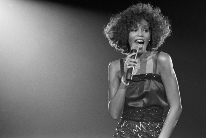 Happy Birthday Whitney Houston (RIP) Hoy cumpliría 54 años Whitney Houston. Falleció en 2012.