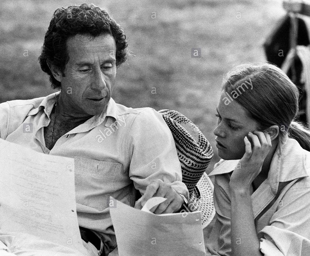 #MelanieGriffith &amp; #ArthurPenn on the set of a wonderful movie: #NightMoves<br>http://pic.twitter.com/7vlXfm6A0B