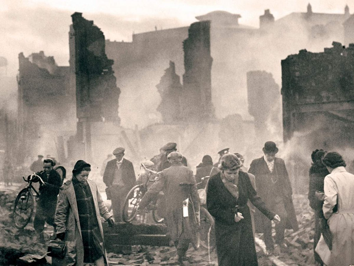 the effects of the world war ii on britain Published: mon, 5 dec 2016 there were many causes for the beginning of world war ii but one of the most important was the effect that the treaty of versailles had on germany after world war i.