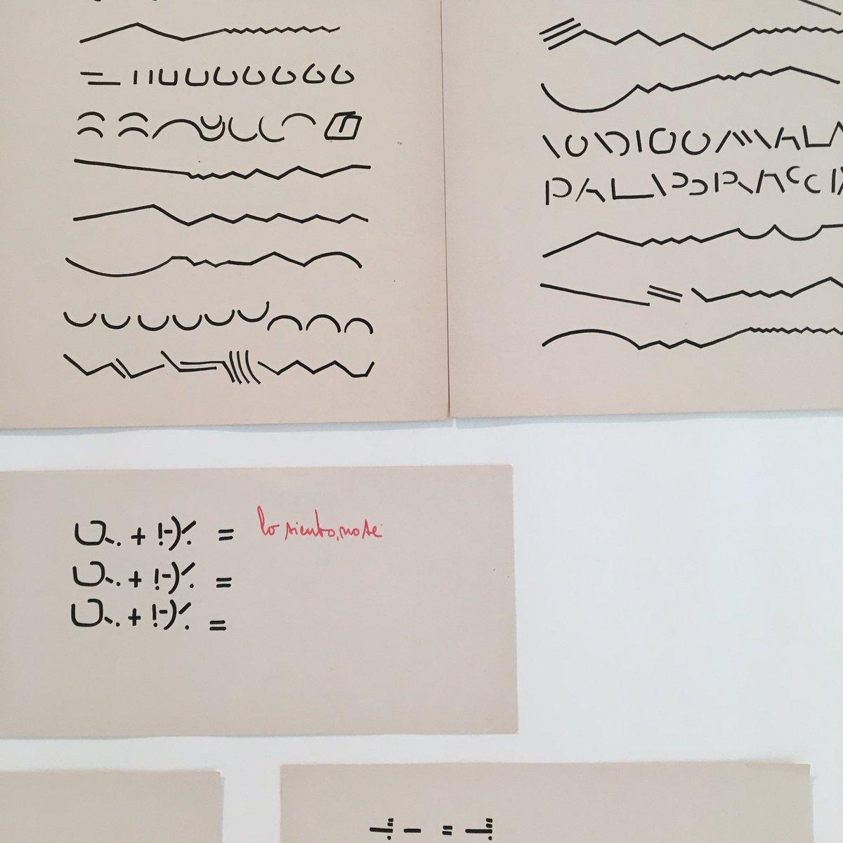 En 1967 #MirthaDermisache comienza a trabajar en textos ilegibles, a mitad de camino entre las artes plásticas y la escritura
