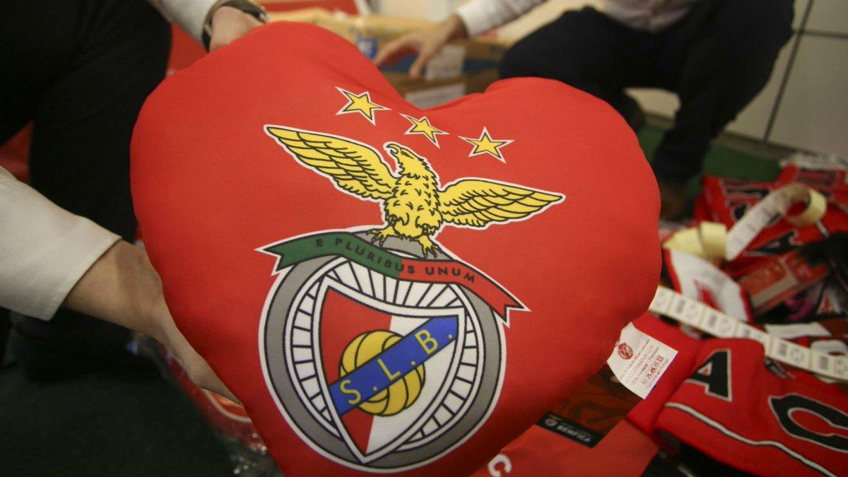 A Casa do Benfica de Toronto angariou 5260 Can$ a favor das vítimas de Pedrógão Grande, e será a Casa do #SLBSCB! ℹ: https://t.co/NpyucuXkKl