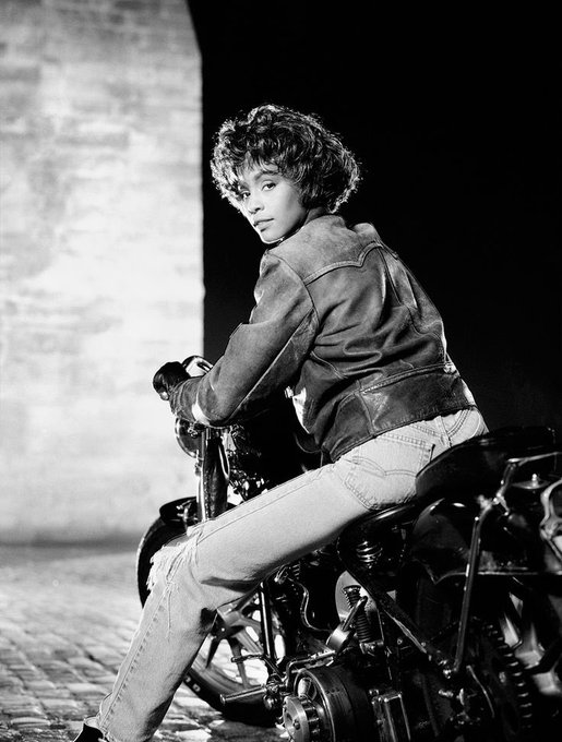 Happy Birthday to Whitney Houston !!
