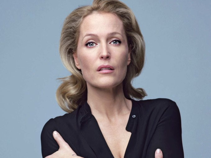 Happy birthday to the awesomely awesome Gillian Anderson!