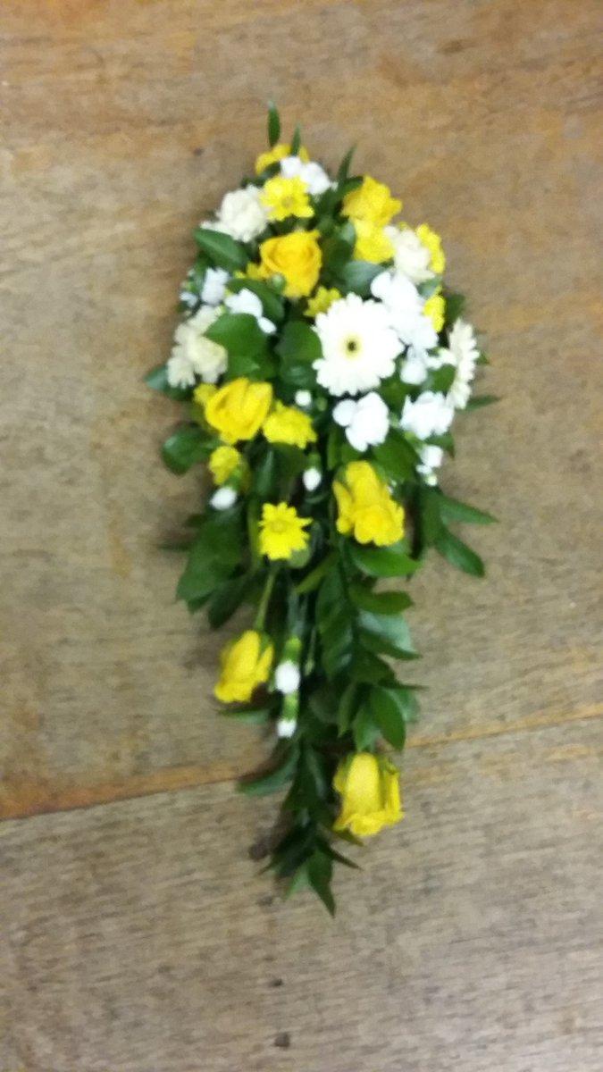 Funeralheart hashtag on twitter funeral funeralspecialist nn4flowers flowersnorthampton yellowfuneralspray funeralflowersnorthampton funeralheart funeralstarpicitter izmirmasajfo