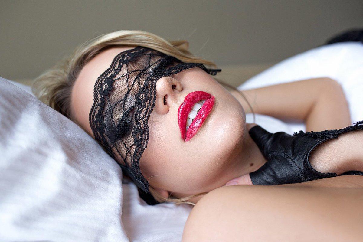 gubi-foto-zhenskie-erotika