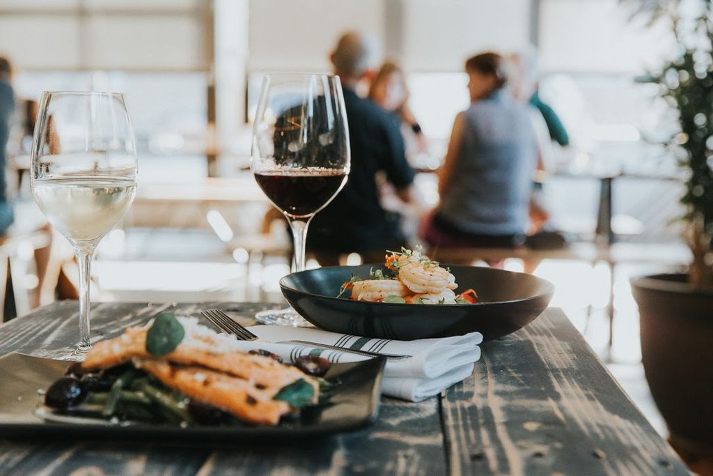 Cascadia White &amp; Oregon Red: Coopers Hall wines paired with entrée off our Taproom menu.  #sustainability #pdxsnow #winetasting #winecountry<br>http://pic.twitter.com/J1wz9XzDk2