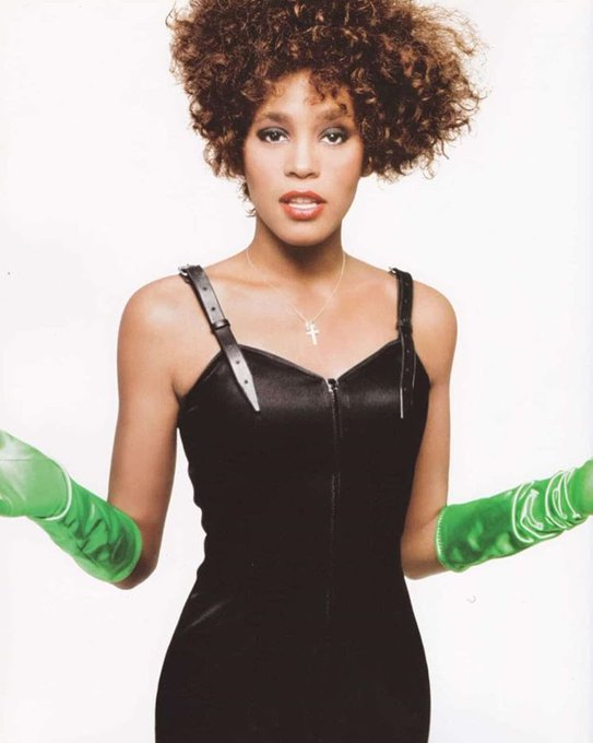 Happy birthday to the ICONIC Whitney Houston