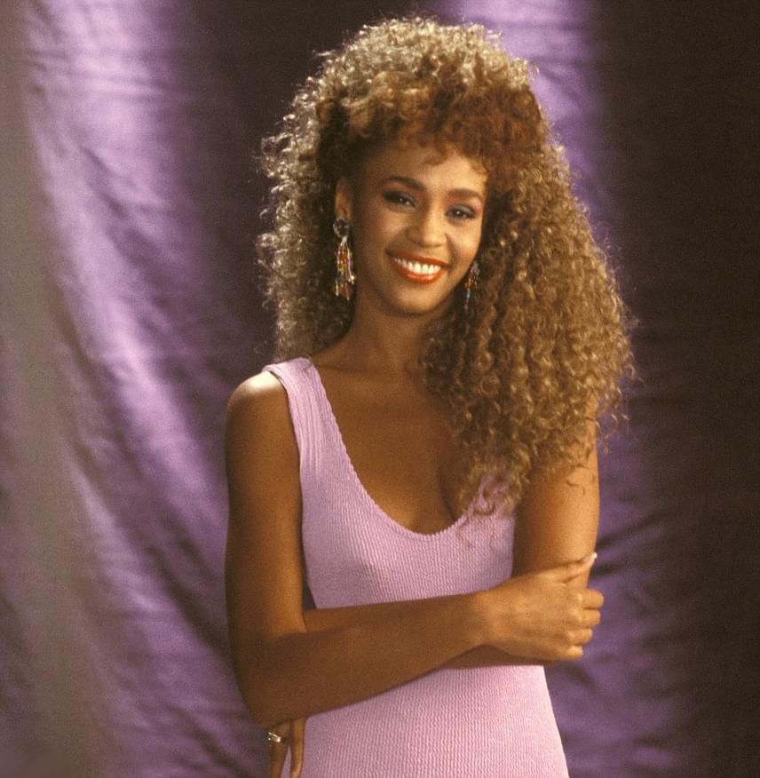 She would've been 54 years old today. Happy Birthday to the legendary #WhitneyHouston.  Rest in peace. https://t.co/b4JOVAoxbg