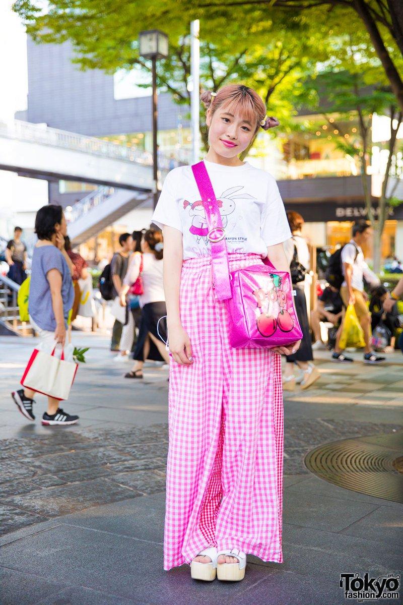 Harajuku girl in Crayon Shin-chan popup shop tee, Little Sunny Bite pants & bag + Jeffrey Campbell platforms  #原宿https://t.co/n1Ai7dTLRw