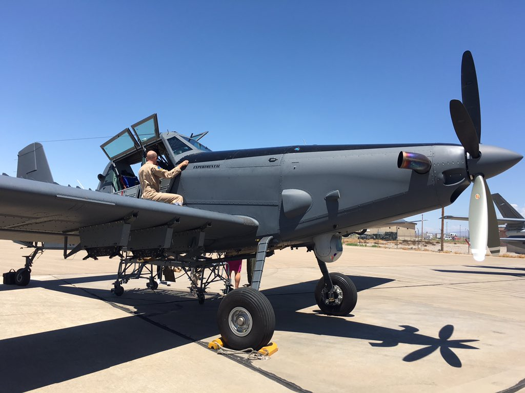 الوداع المؤجل - A-10 Thunderbolt II - صفحة 4 DGz4JZ6VoAADHyh