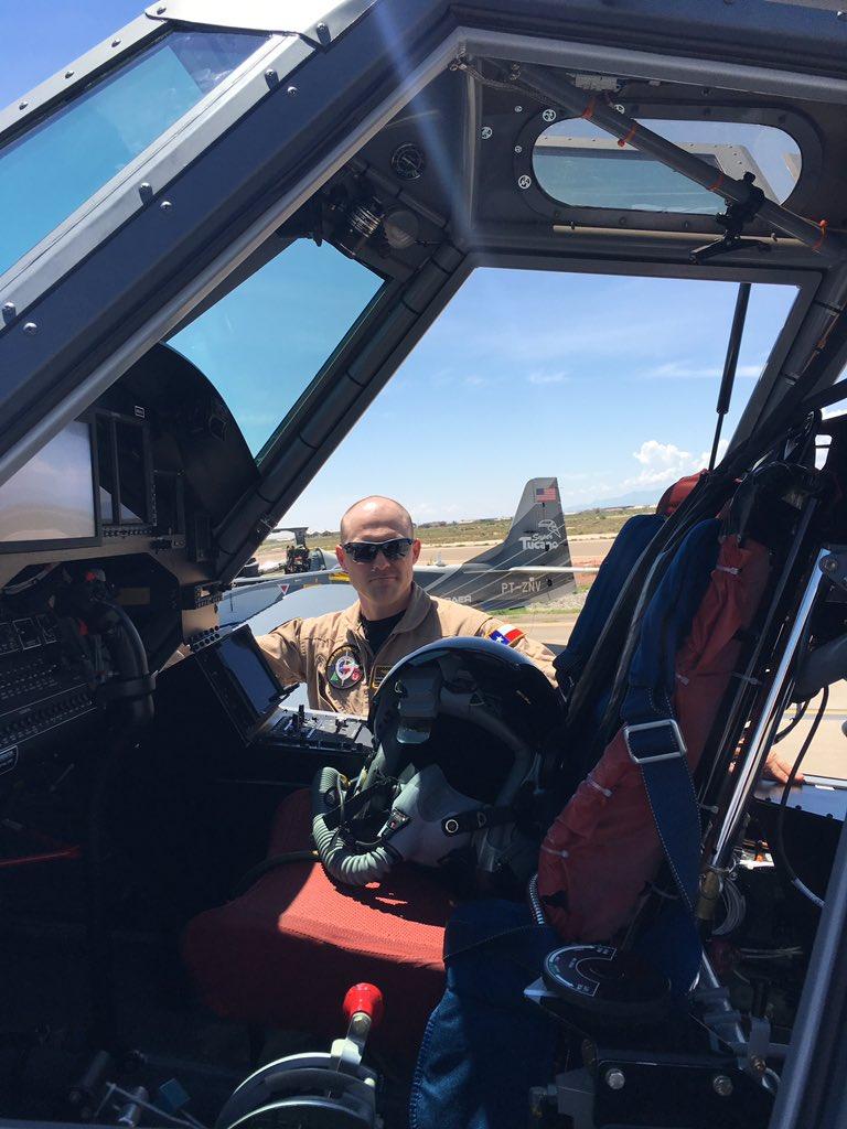 الوداع المؤجل - A-10 Thunderbolt II - صفحة 4 DGz4Jb7VoAAMdPf