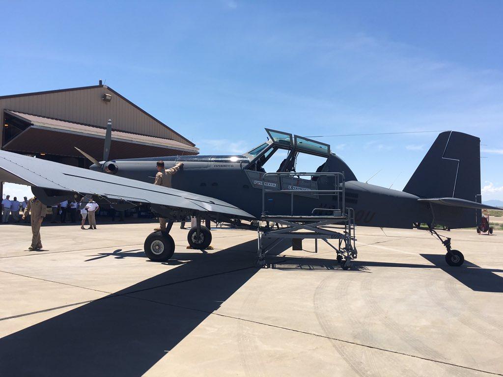الوداع المؤجل - A-10 Thunderbolt II - صفحة 4 DGz4Jb8UMAAk6tx