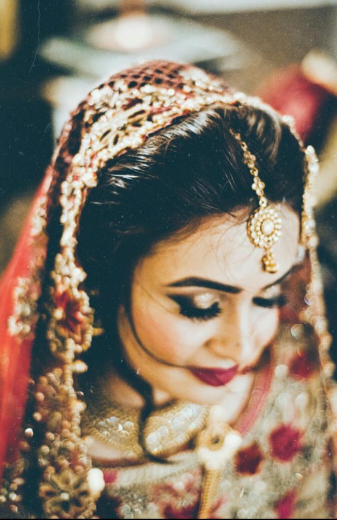 Hi, I'm Palwasha! I photograph brides and I absolutely love it. ❤️ #VisibleWomen https://t.co/M5mrrQFUya