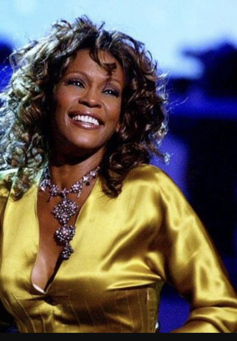 Omg. Happy Birthday to my favorite Auntie Whitney Houston! RIP!!