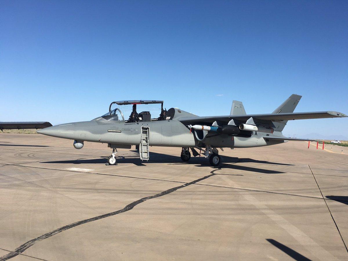 الوداع المؤجل - A-10 Thunderbolt II - صفحة 4 DGzF5nsUIAATJ0Y