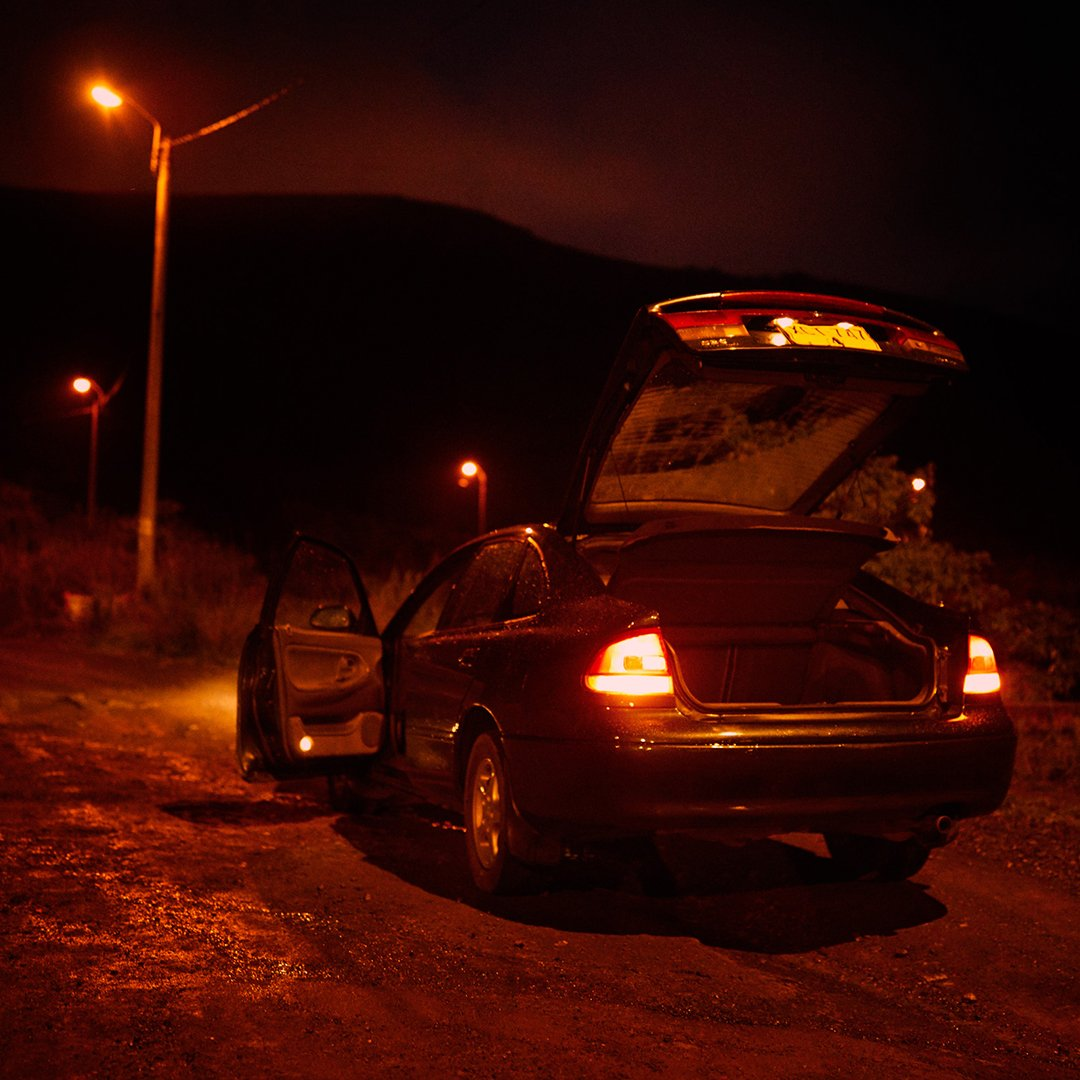 The Mazda 626 had ample trunk space, making it the preferred vehicle of the Cali Cartel. #Narcos https://t.co/hKTgNO8XyT