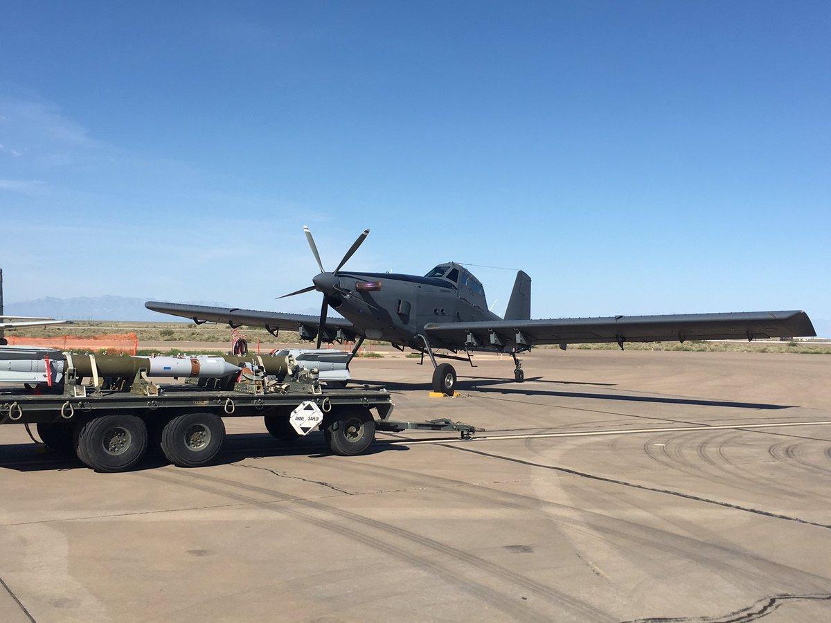 الوداع المؤجل - A-10 Thunderbolt II - صفحة 4 DGzTauSV0AArDIS