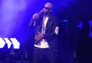 Parents who have accused R. Kelly of dragging daughter into sex cult beg singer for a meeting. https://t.co/e11zPTd5rz