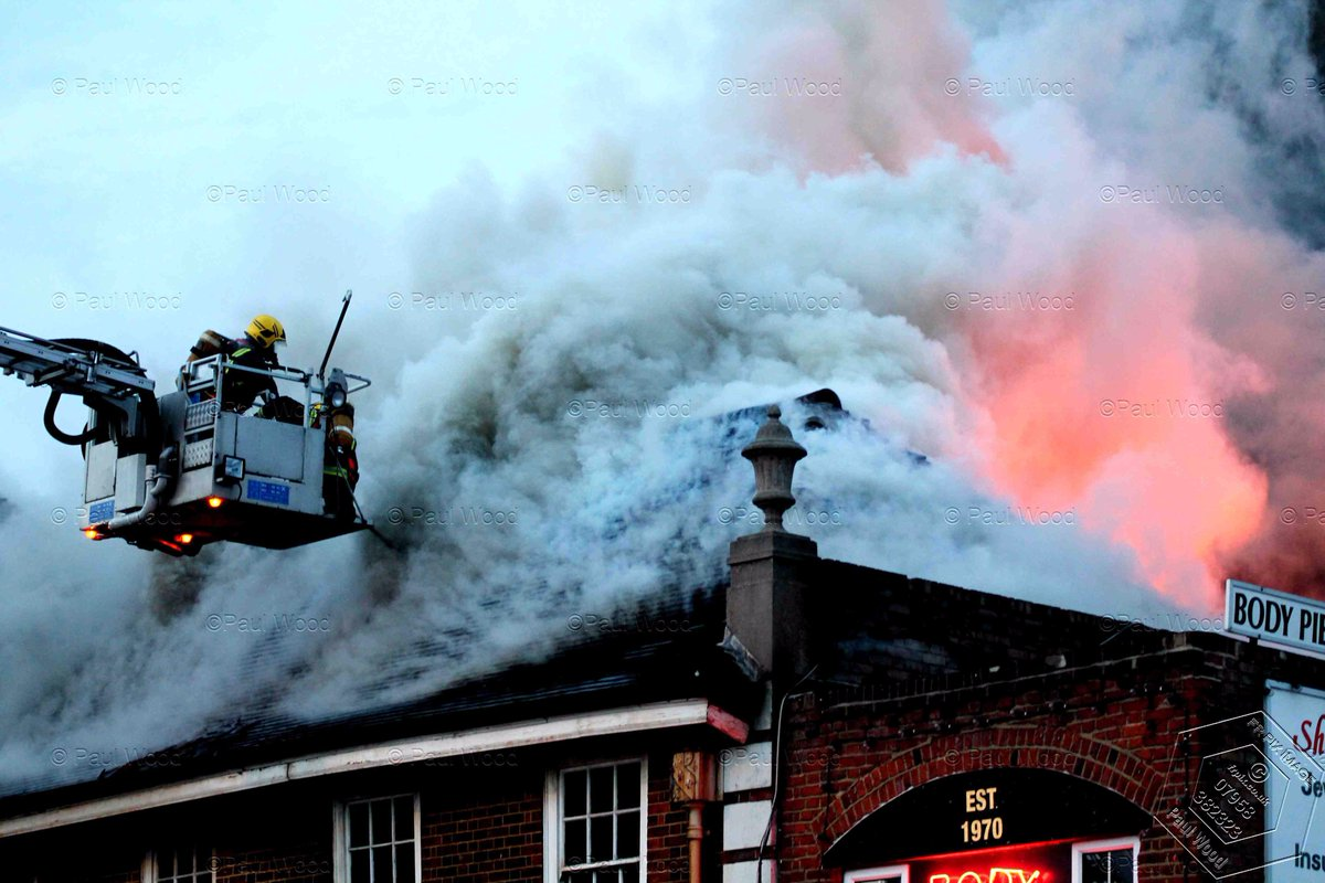 Another incredible shot of #Tottenham ALP in action @PaulWood1961. Thankfully nobody hurt in this fire. Be safe<br>http://pic.twitter.com/YqD63p2FhL