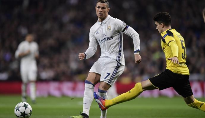 FROM SPAIN: #Ronaldo could quit #RealMadrid next week   http:// bit.ly/2xeGdTf  &nbsp;  <br>http://pic.twitter.com/lefTy357Ak