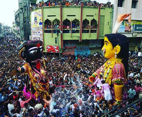 Let me tell you about a 130-year old tradition specific to Nagpur. This is happening in #Nagpur today. https://t.co/dORX1TQnay