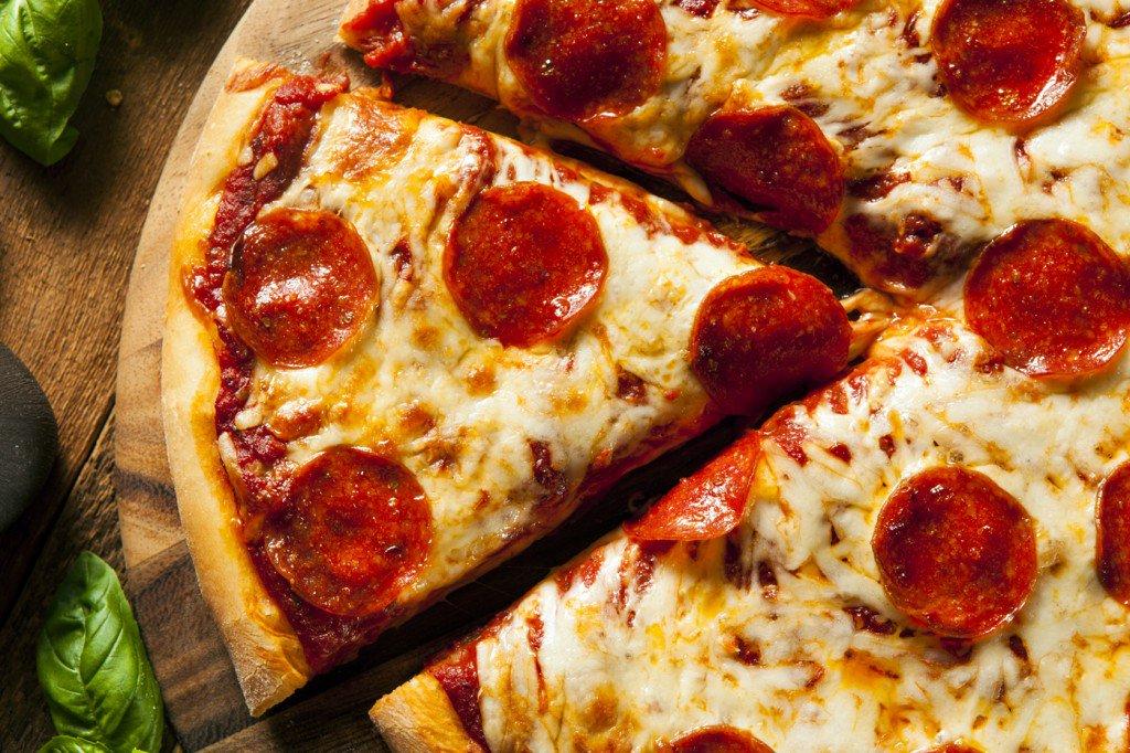 Днюхой, картинки пицца пепперони