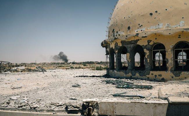 42 civilians dead in US-led strikes on Raqa: Report https://t.co/CtTbw0aanO