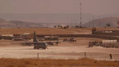 #US Commander warns #Russia &amp; #Syria against operations near #US positions,threatened to shoot down #Russian &amp; #Syrian planes,inside #Syria.<br>http://pic.twitter.com/xYMSK4ktLW