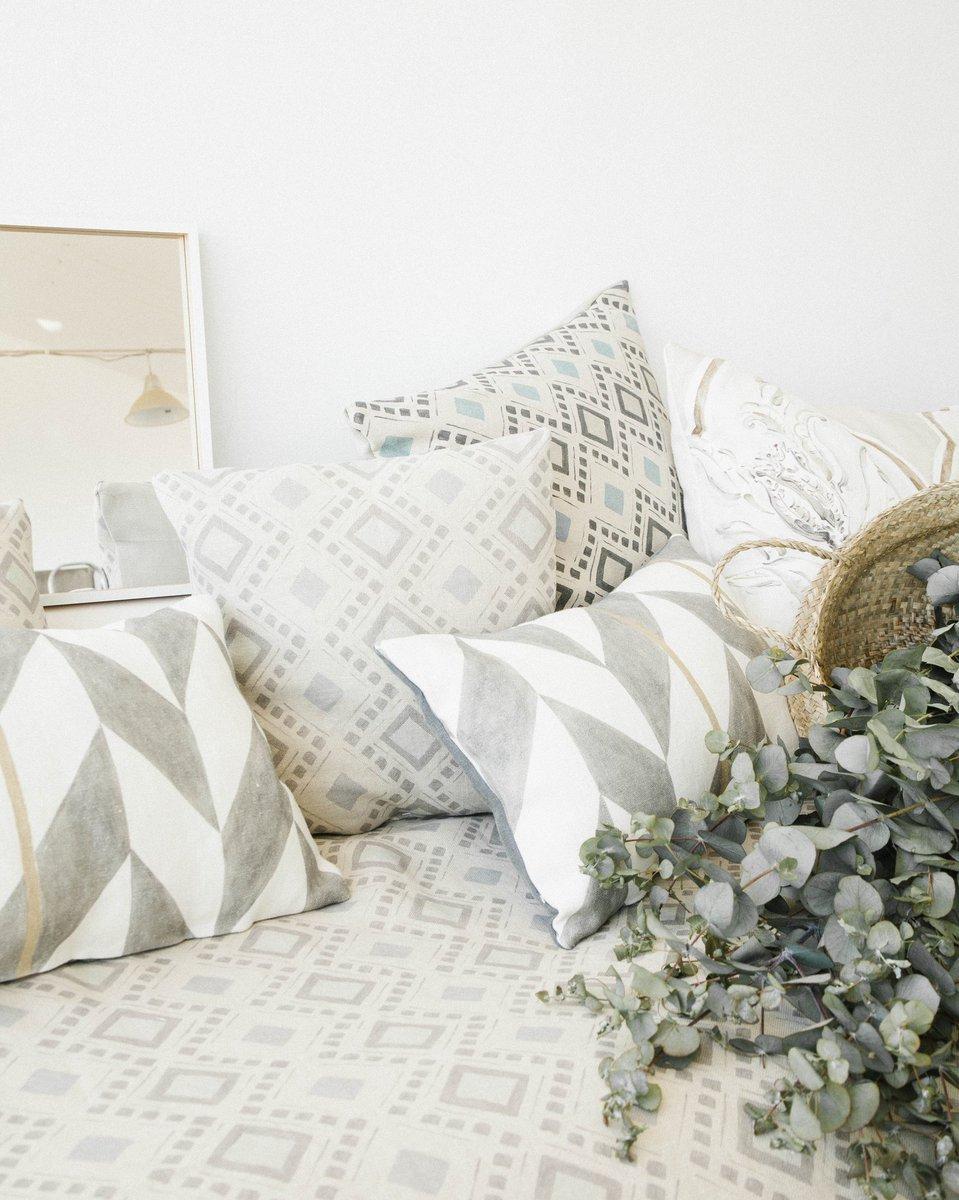 Freshness  #lineale #massine #fabrics #wallpaper #interiordesign #interiorismo #decoracion #lifestyle #villages #condos #summer<br>http://pic.twitter.com/yHJPqdoXOS