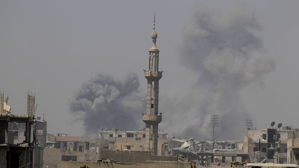 At least 100 civilians killed by US-led air strikes over the past 48 hours in Syria's Raqqa https://t.co/HX4TRgvVJg