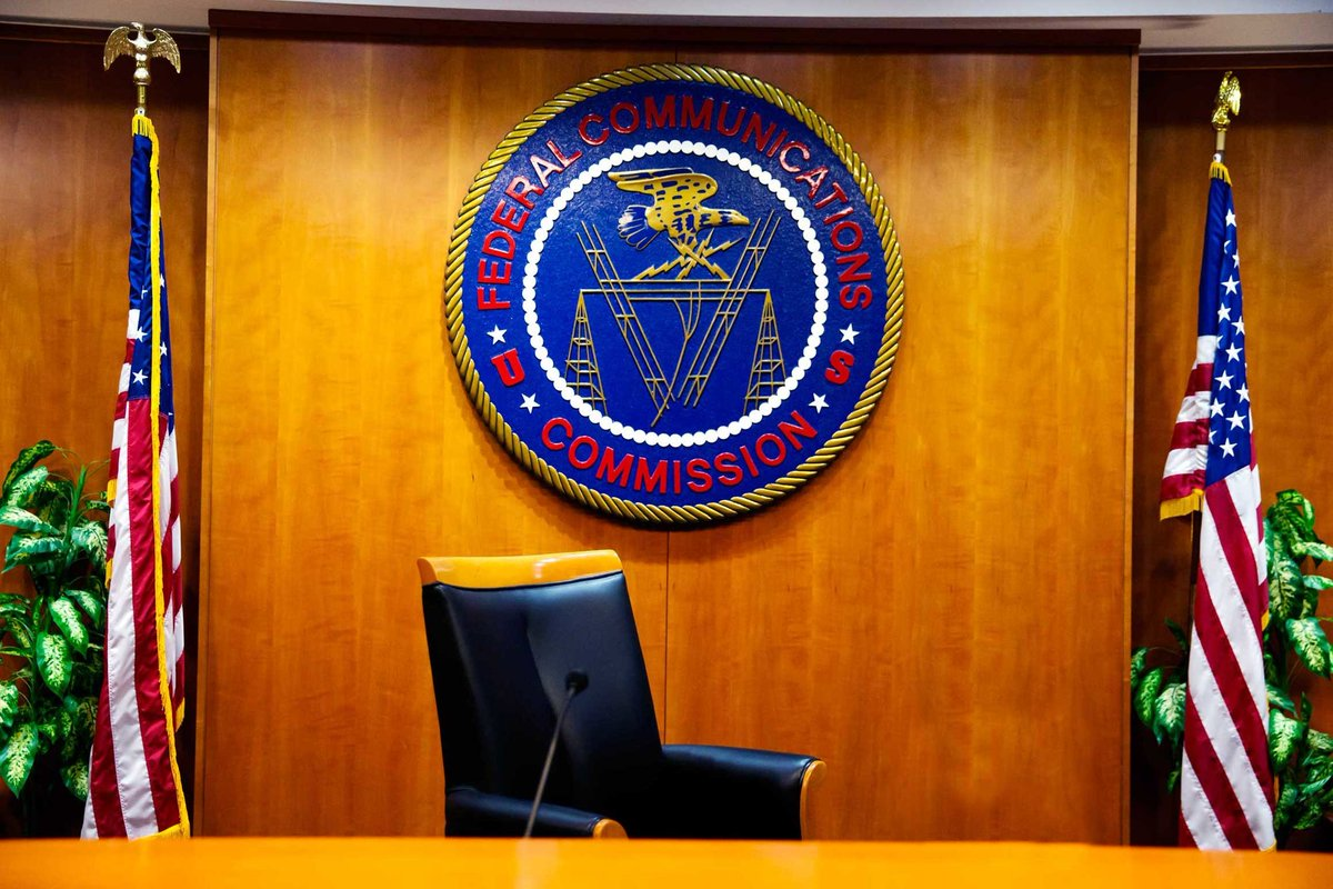 FCC Pledges Openness -- Just Don&#39;t Ask To See Complaints: Agency shielding complaints about…  http:// bit.ly/2inK39o  &nbsp;   #IoT #Cloud #AI #ML<br>http://pic.twitter.com/ttuC4nGk9i