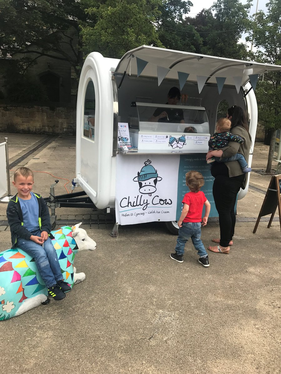 The @chilly_cow Moo Mobile is here today! Free samples! #wrexham #icecream #summer <br>http://pic.twitter.com/uNZX0XAvBc
