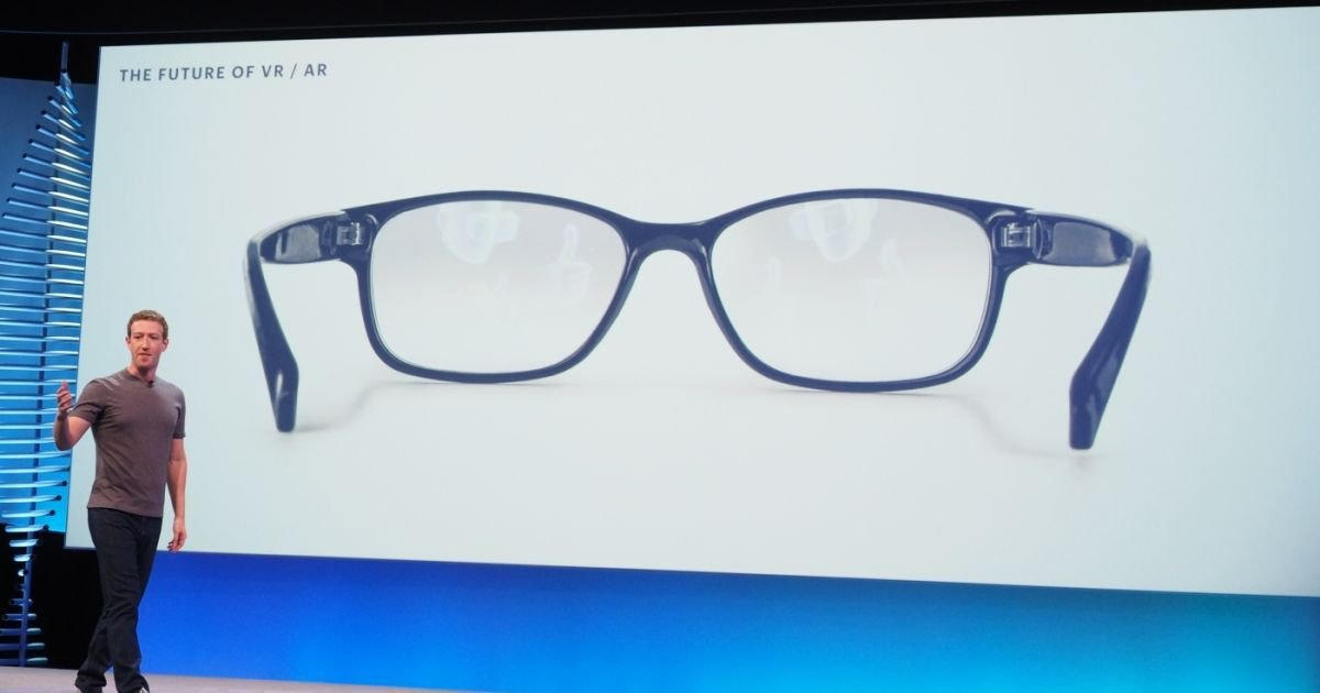 #IoT: Facebook patent reveals more details about its AR glasses #Facebook  https:// buff.ly/2wjMbVf  &nbsp;  <br>http://pic.twitter.com/Zunfk9jUdA