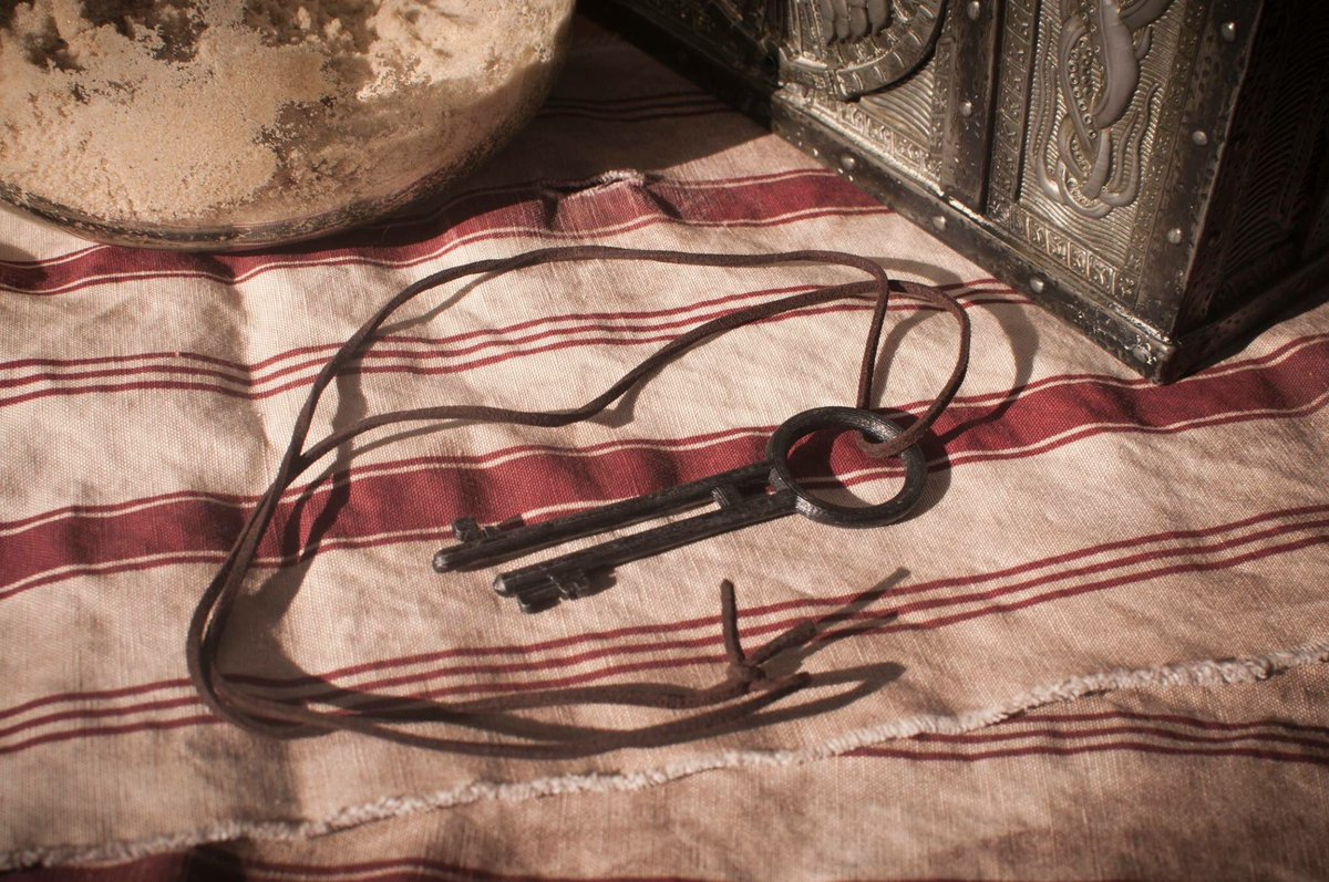Jack Sparrow Sash &amp; Dead Man&#39;s Chest Key. $40. See Just Some Nerd on Facebook for details. #jacksparrow #PiratesoftheCaribbean #captainjack<br>http://pic.twitter.com/TuAxfbzldR