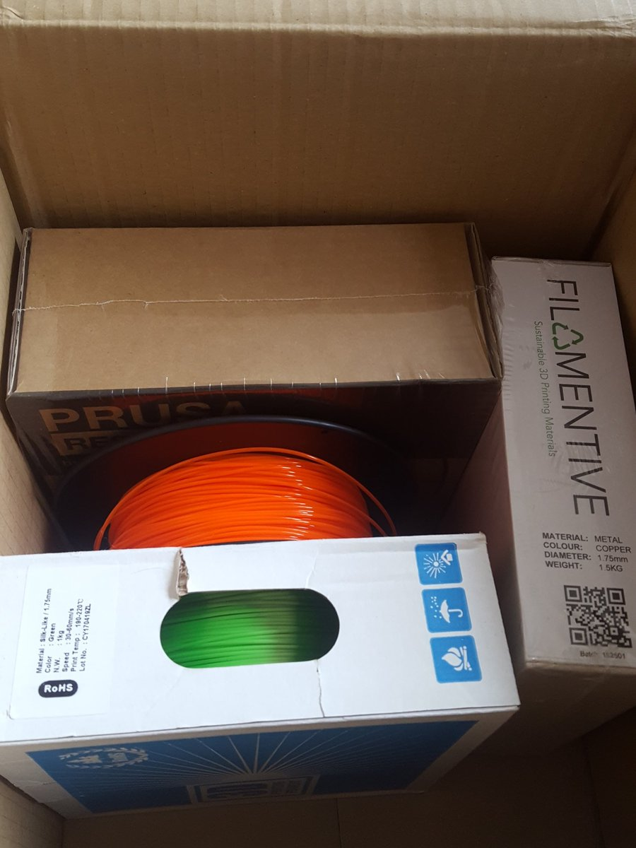 Happy little filament bundle. Thanks to @SpannerHands3D  ...