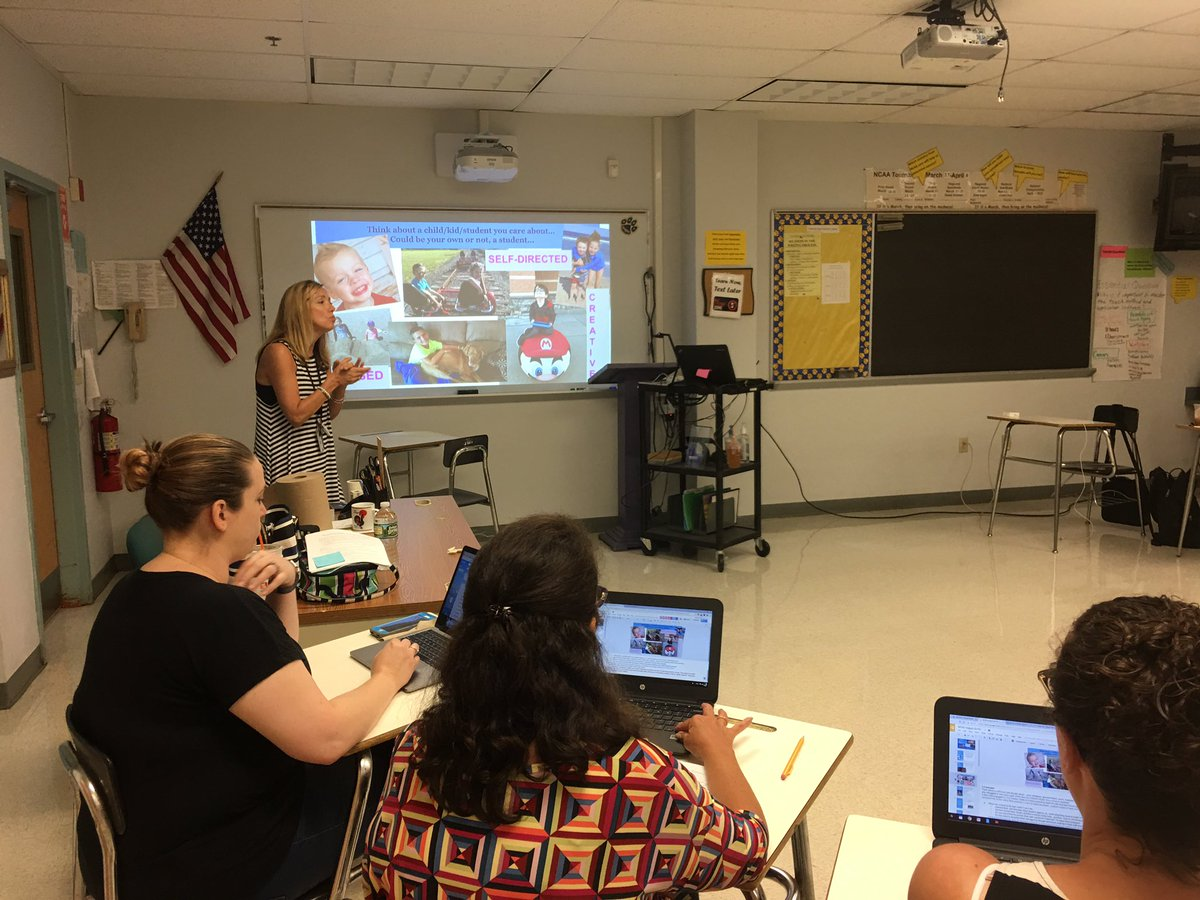 @Tderiso10 reminds our BL facilitators to think about a child we love &amp; engagement for all of our Ss using technology #engagement <br>http://pic.twitter.com/iW2pwH09Jf