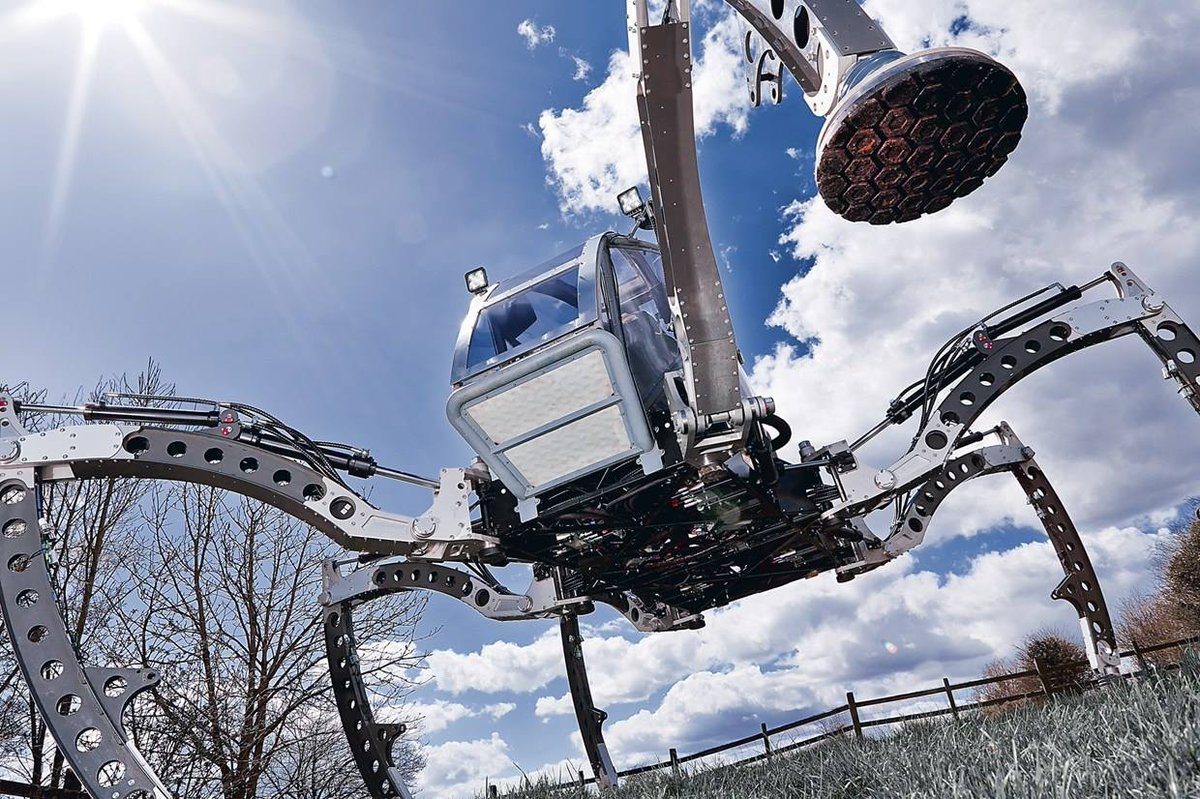 A Two-Ton Turbo Diesel Hexapod Will Roam Maker Faire Hannover  http:// dlvr.it/PgpYxJ  &nbsp;   #DIY <br>http://pic.twitter.com/VbuFlA3Hlq