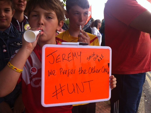 Possibly one of the more polite signs @Jeremy_Hunt will face, #Southport is a nice town after all! Protest report -  http:// bit.ly/2vafEx9  &nbsp;  <br>http://pic.twitter.com/M0BIIOHr8T
