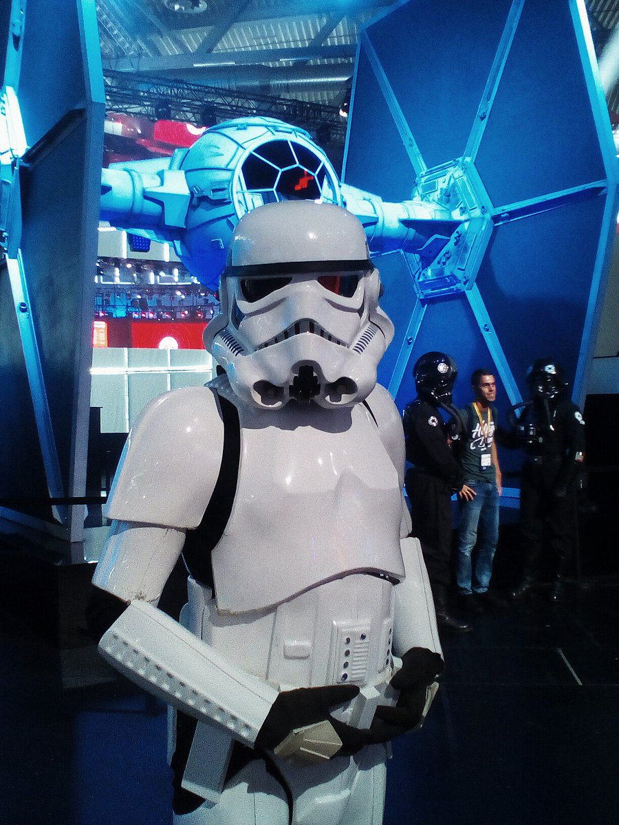 He didn&#39;t need to see our identification. #Battlefront2 <br>http://pic.twitter.com/gLOYpUyFrs