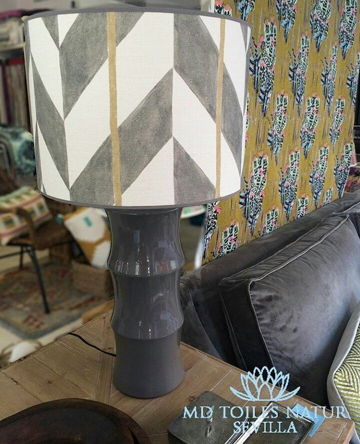 In love with @mdlolaherran lampshade! Thanks!  #lineale #lampshade #sobeautiful #inlove #lamps #interiordesign #interiorismo #decoracion<br>http://pic.twitter.com/Wc91jABXfD