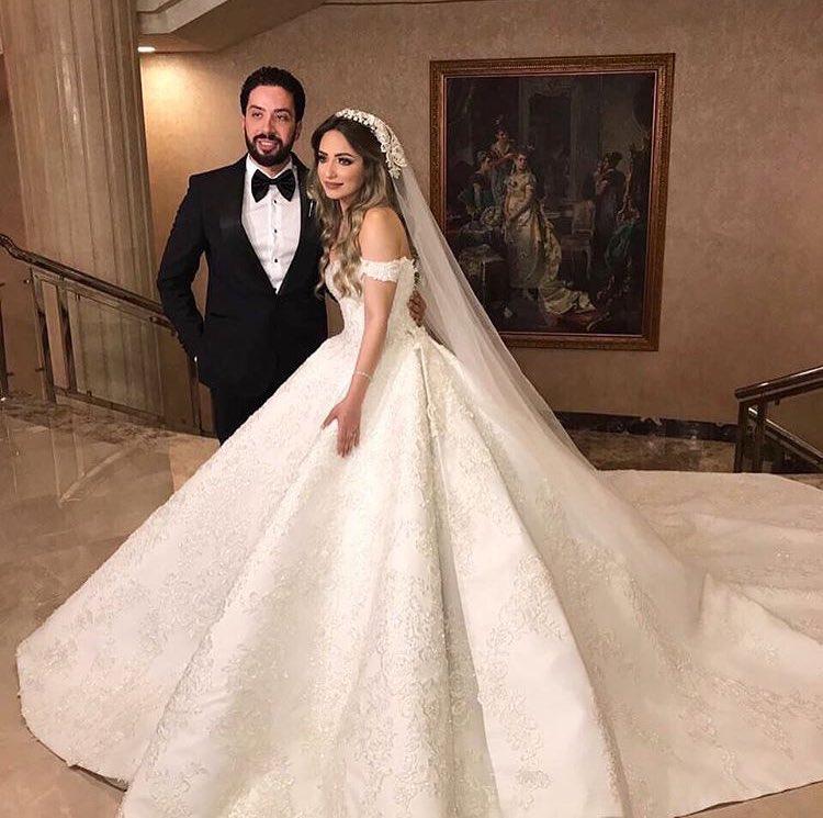 شارك معانا بفستان خطوبة او زفاف على ذوقك  - صفحة 3 DH1ue3lWsAEj649