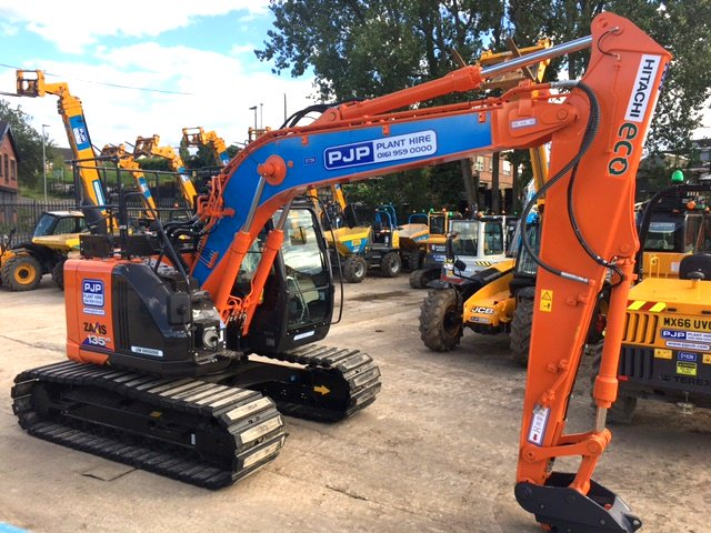 Another @HitachiCME ZX135US-6 ready to go @pjphire #quality #planthire #safety1st every day at the Norths #No1 hire now  0161 959 0000<br>http://pic.twitter.com/C1LpU7sVYA